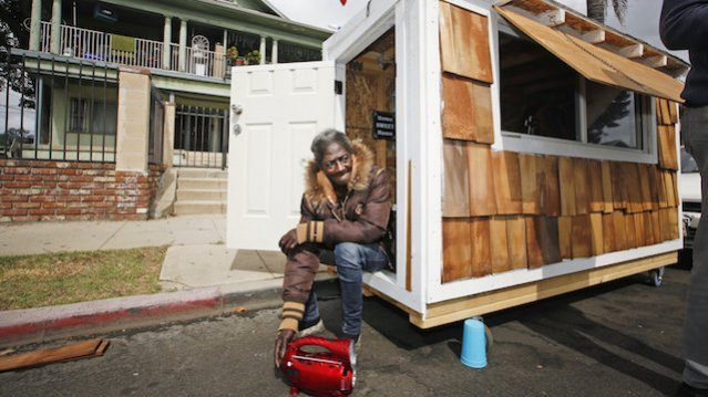Homeless-Tiny-House-LA.jpg