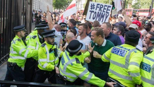 free-tommy-robinson-678x381.jpg